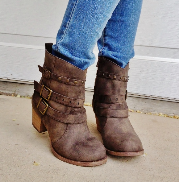 Ankle boots skinny jeans tuck in