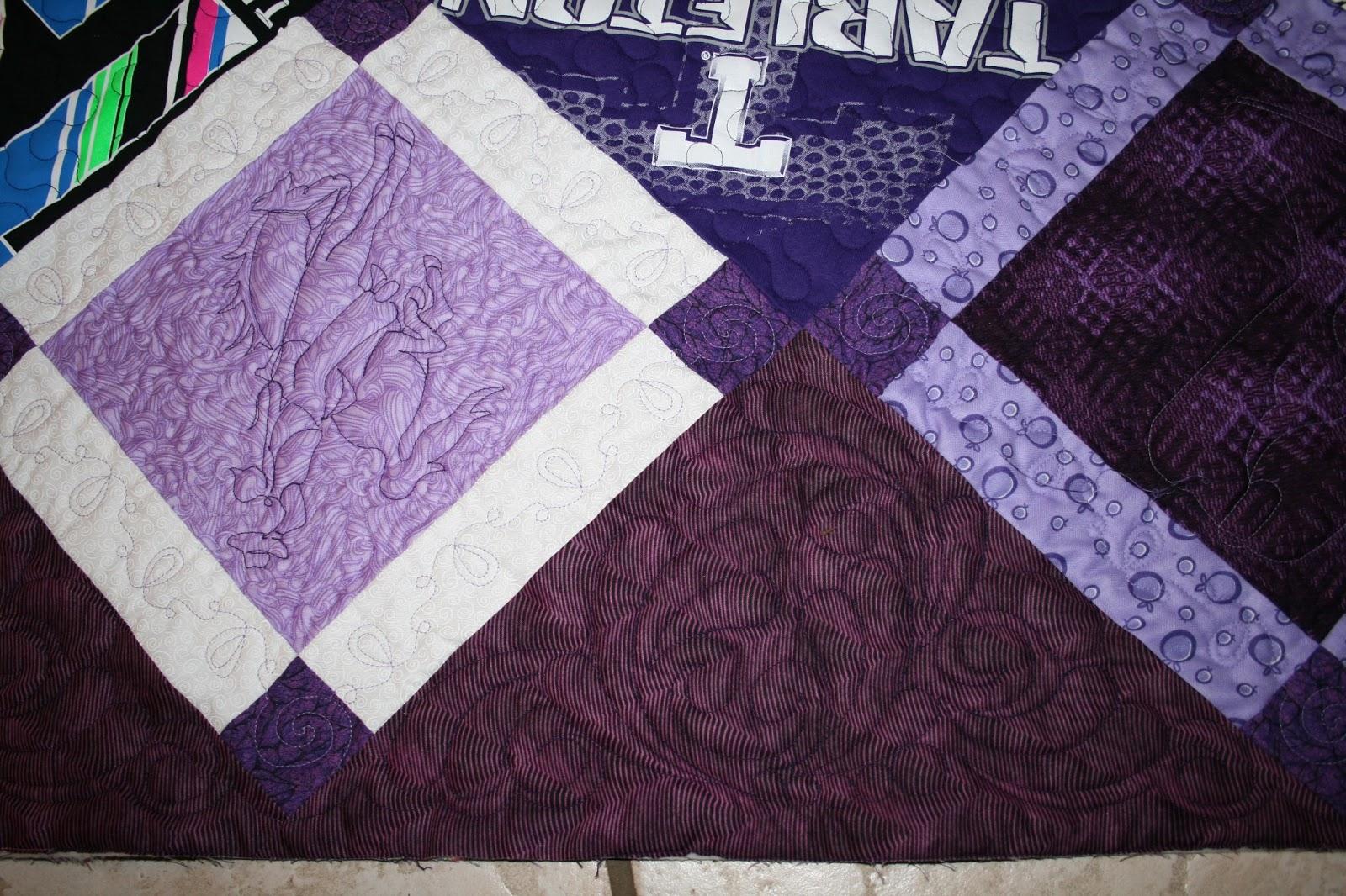 T Shirt Quilt Pattern Queen : T-SHIRT QUILT The Quilting Queen Online