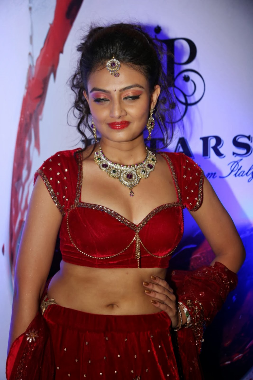 Bollywood, Tollywood, fair, cute, hot sexy actress sizzling, spicy, masala, curvy, pic collection, image gallery