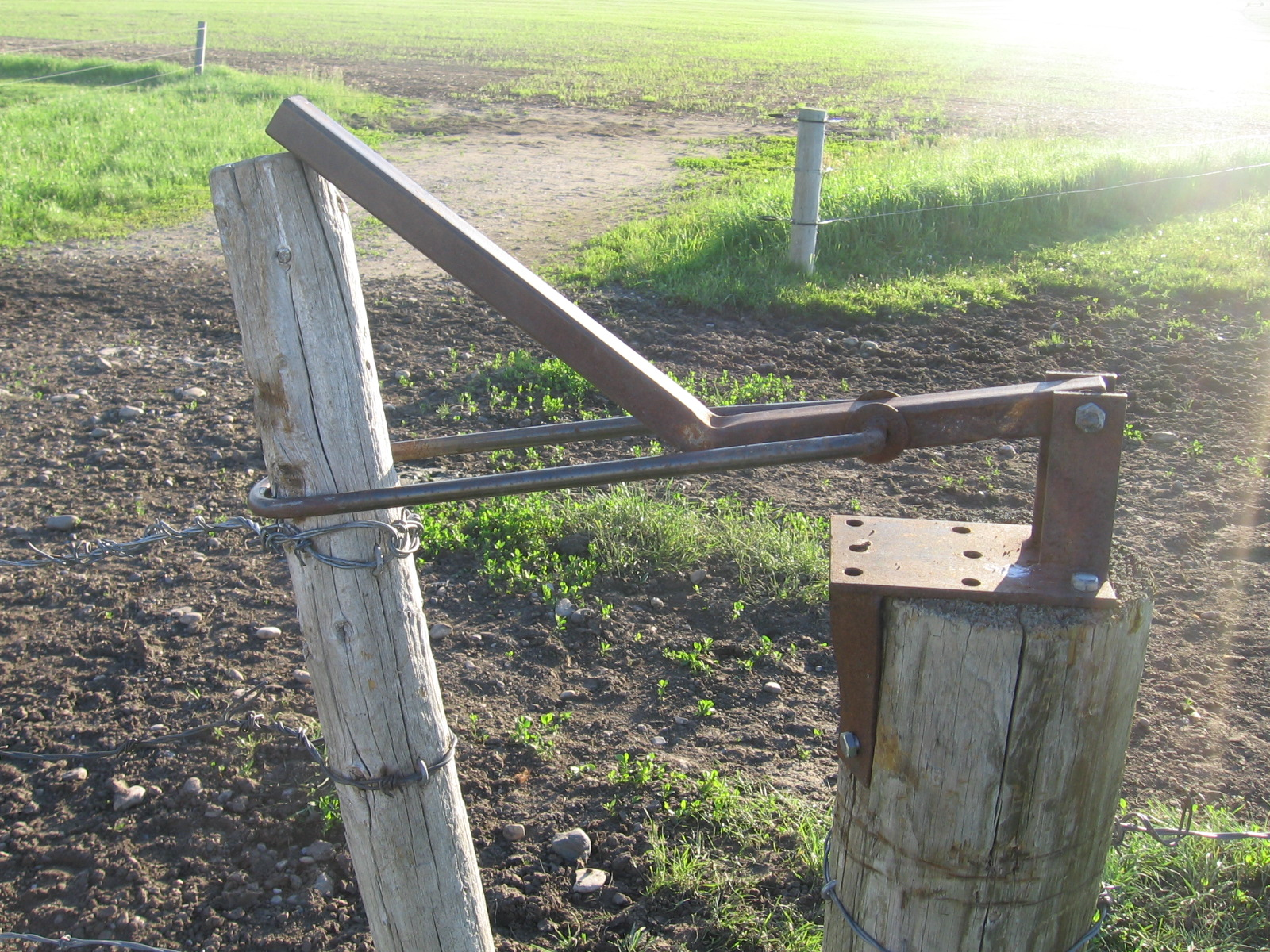 Farm Amp Ranch Gate Latch : Life in the ag industry invention monday gate latch