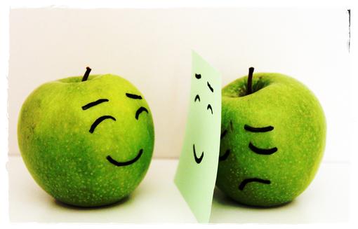 Senyum di luaran tapi dalam hati remuk kecewa sangat.