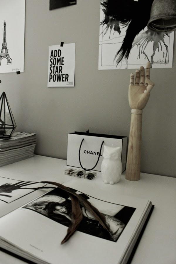 hay hand, trärena detaljer, vitt, grått, svart och vitt, svartvita, tavlor,