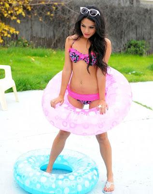Vanessa Hudgens Hot Pics
