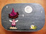 La luciérnaga mirando la luna
