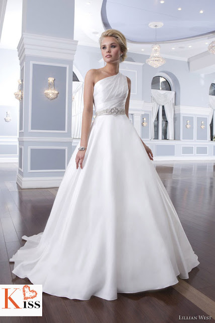 2014 Wedding Dress Lillian West