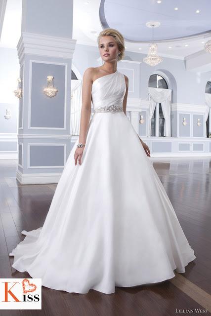 2014 Wedding Dress Lillian West