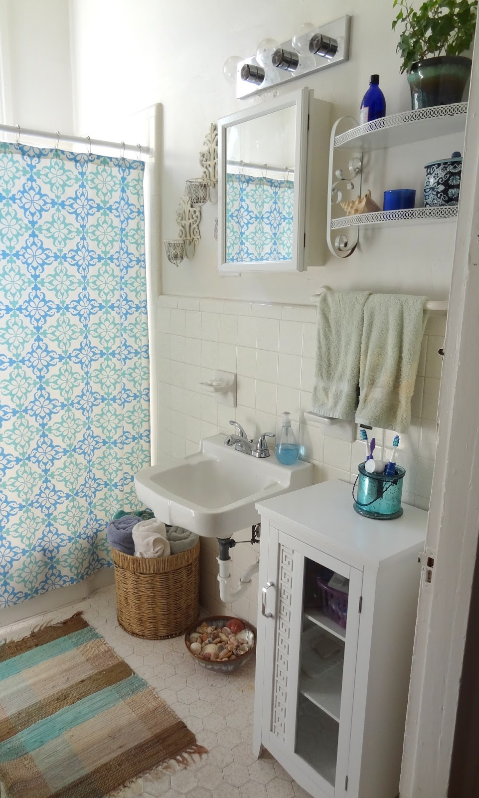 Gypsy yaya beautiful bohemian bathrooms for Pictures for bathrooms designs