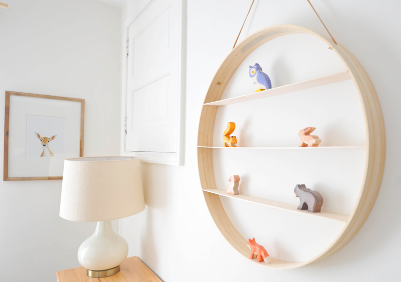 DIY Circle Wood Shelf Nursery
