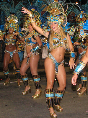 curvy ladies woman carnival