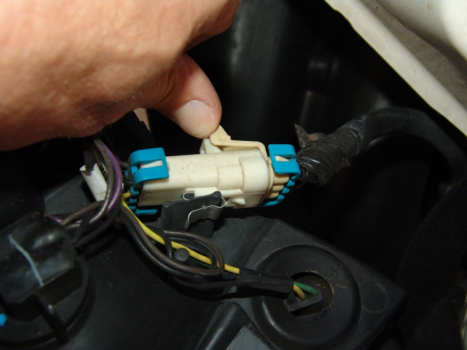 Sparky U0026 39 S Answers  2007 Pontiac G6  Changing The Headlight Bulb  U0026 Harness Connector