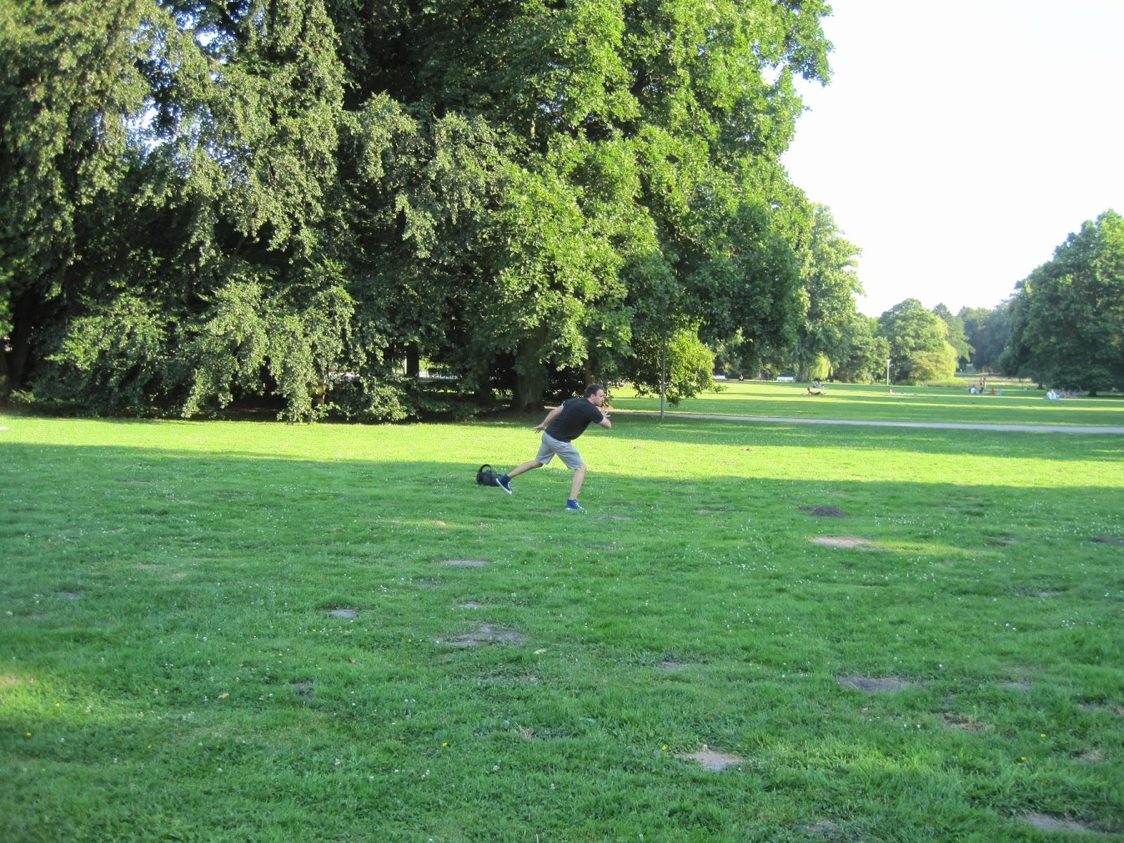 Frisbee in Kurpark
