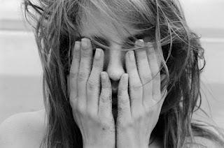 O ministério da saúde adverte: ficar sem notícias suas é prejudicial à saúde,  pois causa ansiedade, insônia, baixo astral e o pior de tudo..  Muita saudade de você.