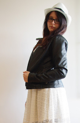 Outfit Lace Dress & Leather Jacket