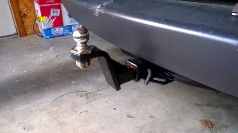 Raised hitch mount