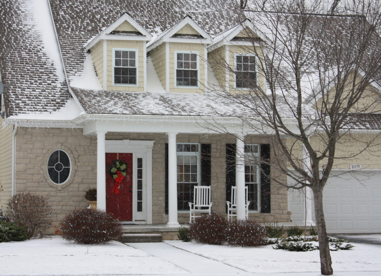 The yellow cape cod 31 days of character building Holiday decorated homes