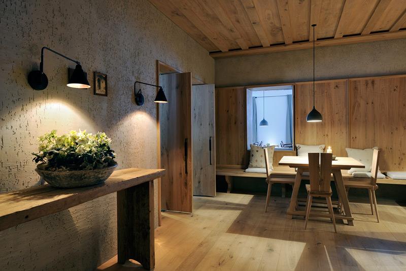 Estilo rustico hotel rustico y minimalista en austria for Casa moderna y rustica