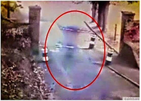 JOM TENGOK VIDEO Rakaman CCTV Telah Merakam Bayangan Hantu Di Bangunan Bersejarah