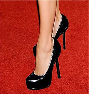 eva longoria 005b Eva Longoria Wearing YSL Black Leather Heels