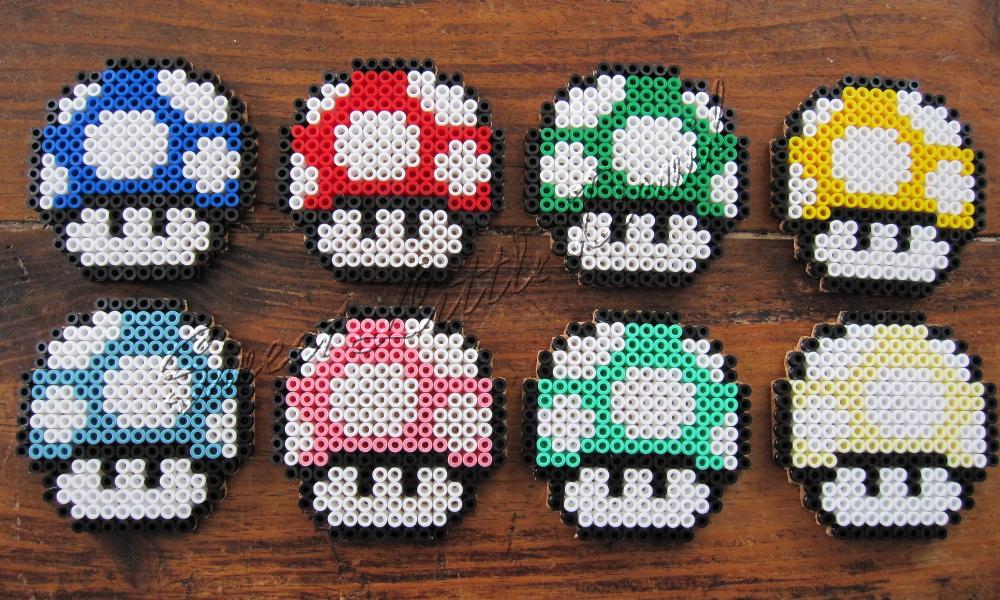 ... mes dessous de verres de geek, en champignon Mario. Et je lai fait