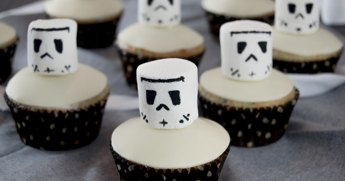 saras cupcakery s e b sewichte stormtrooper muffins chocolate chip muffins. Black Bedroom Furniture Sets. Home Design Ideas