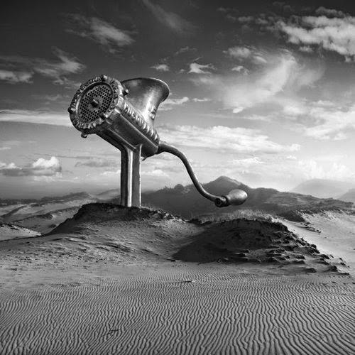 12-Sandmachine-Dariusz-Klimczak-Black-and-White-Surreal-Altered-Reality-www-designstack-co