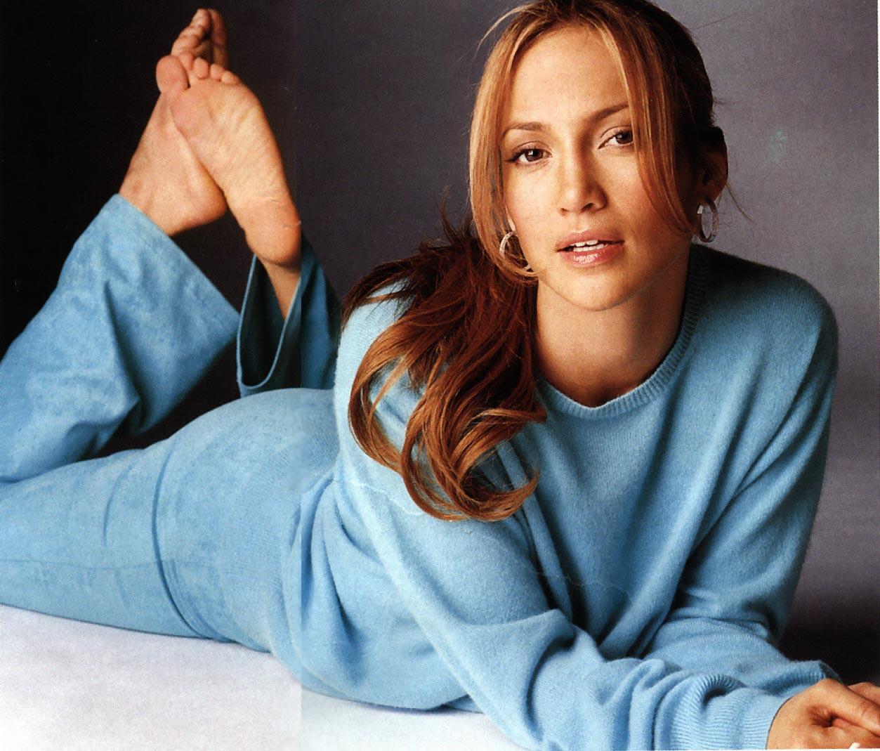 http://1.bp.blogspot.com/-hI7xKFA8mLc/T0DB5DPPh5I/AAAAAAAABeg/wkMgRq92GYo/s1600/Jennifer-Lopez-Feet-30851.jpg