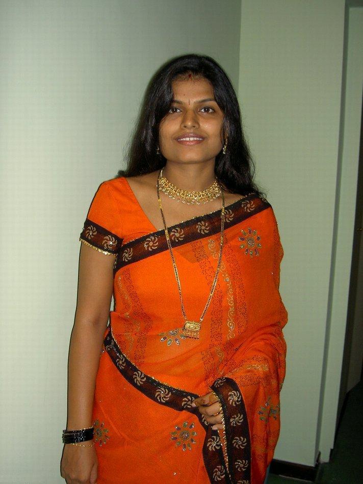 Indian Sex Photos - Sexy Indian Bhabhi Arpita ke nude