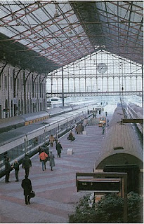 Madrid P.Pio estacionado en via tren Talgo en Madrid P.Pio.