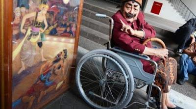 Pak Raden dan Kisahnya Jual Lukisan pada Jokowi