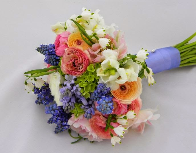 Wedding bouquet ideas ideas of spring wedding bouquets for Wedding flowers ideas pictures