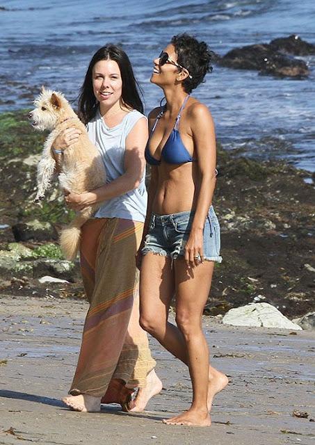 American actress, Halle Berry, Actress, Halle Berry bikini, Malibu, Malibu Beach, Malibu Beach TRavel, Malibu cheap travel tour, Malibu hot vacation, malibu hotel, malibu luxury hotels
