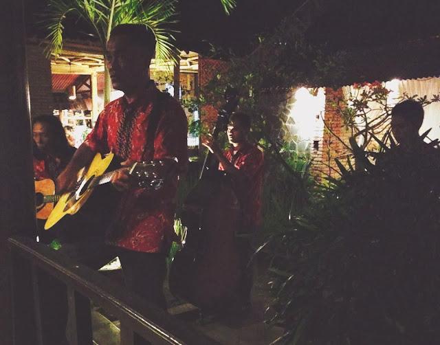 Ikan Bakar Jimbaran- live band