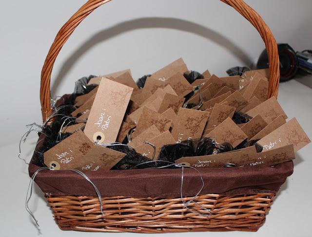 cesta regalos invitados