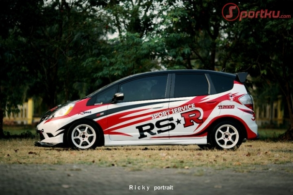 gambar modifikasi honda jazz rs gambar modifikasi honda jazz rs title=