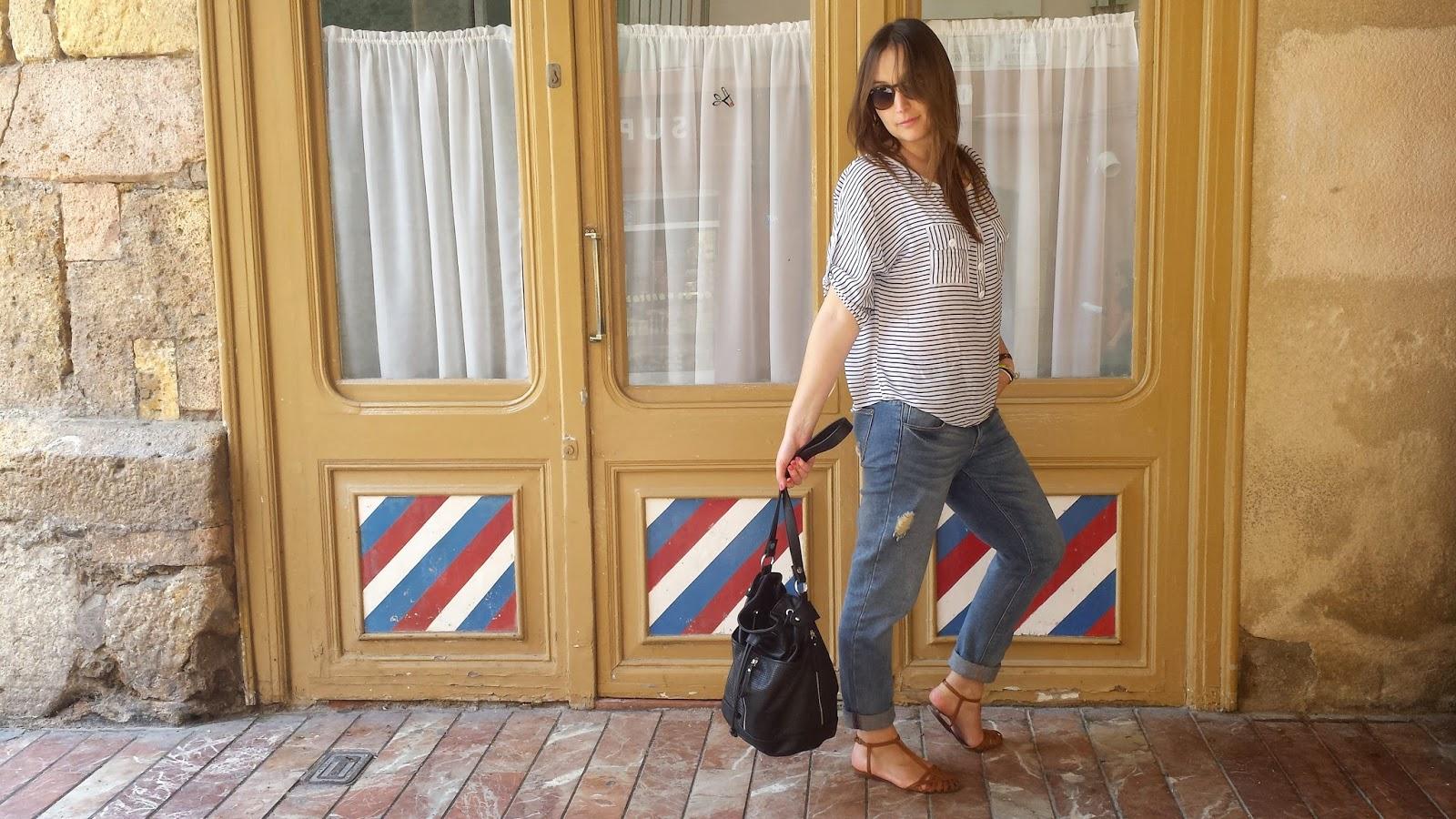 Outfit perfecto para pasear en primavera, un pantalón boyfriend de Pimkie y camisa marinera vintage. Look casual y comodísimo