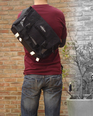Eastpak Kruizer on my back
