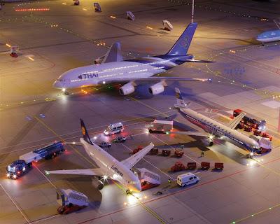 [Internacional]  (Imagens) Aeroporto de Hamburgo em miniatura  Knuffingen-airport_01+%25289%2529