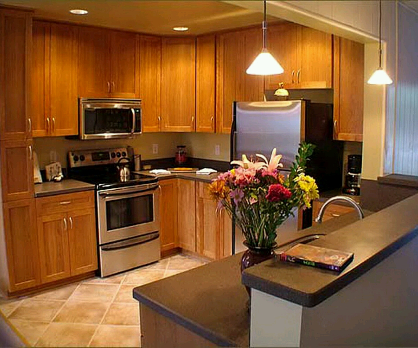 Wooden Kitchen Furniture Photos: Modern Wooden Kitchen Cabinets Designs.
