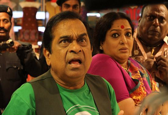 siddarth hansika something something movie stills9