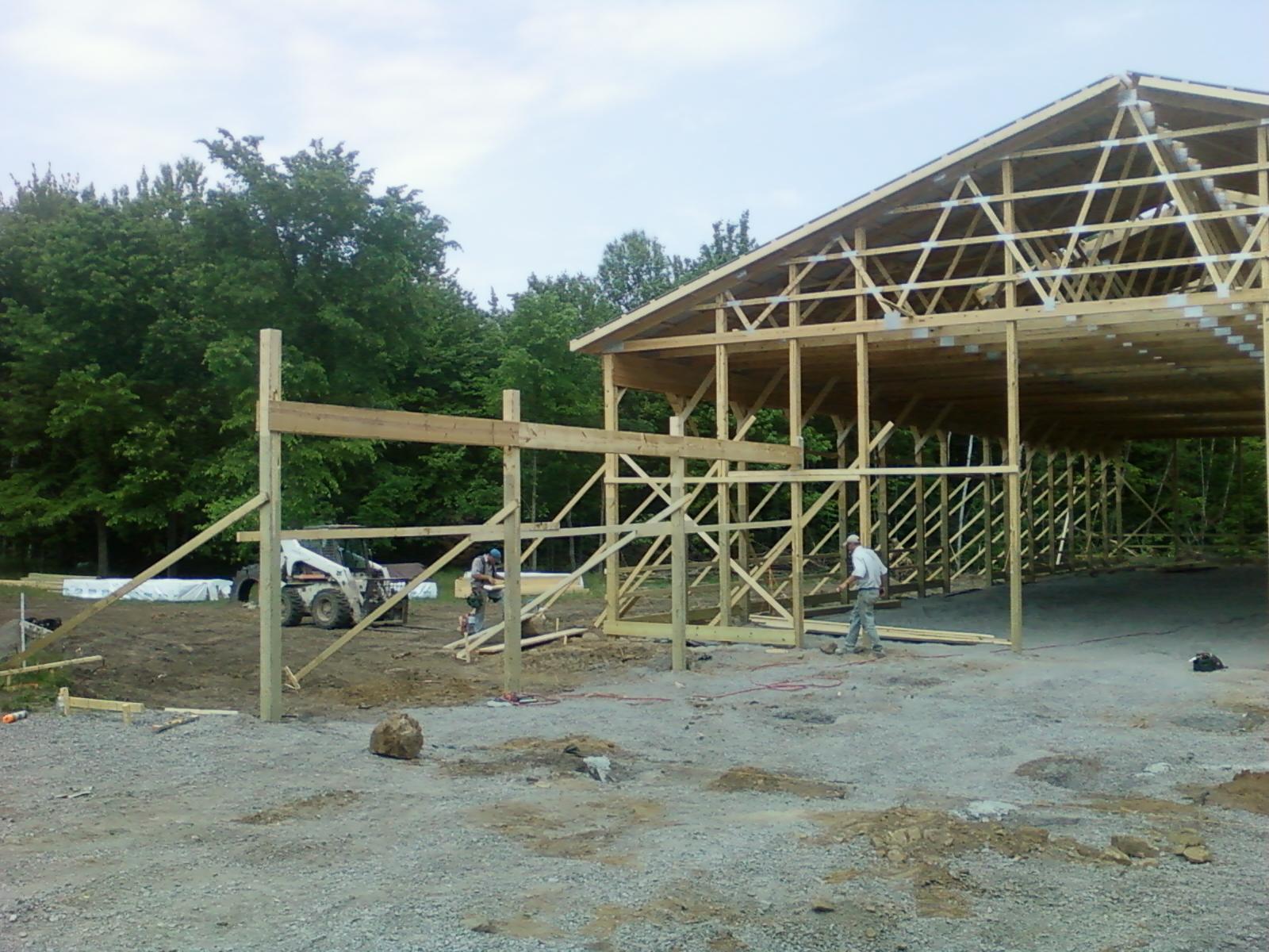 Horse barn building tips 8x10x12x14x16x18x20x22x24 josep for Horse barn builder