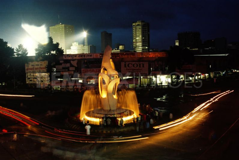 historic dhaka city past glory and Khaled rent a car in dhaka  chilled the remaining interest in its glorious past the city lingered on with its dark circuitous lanes of the mughals, ruinous.
