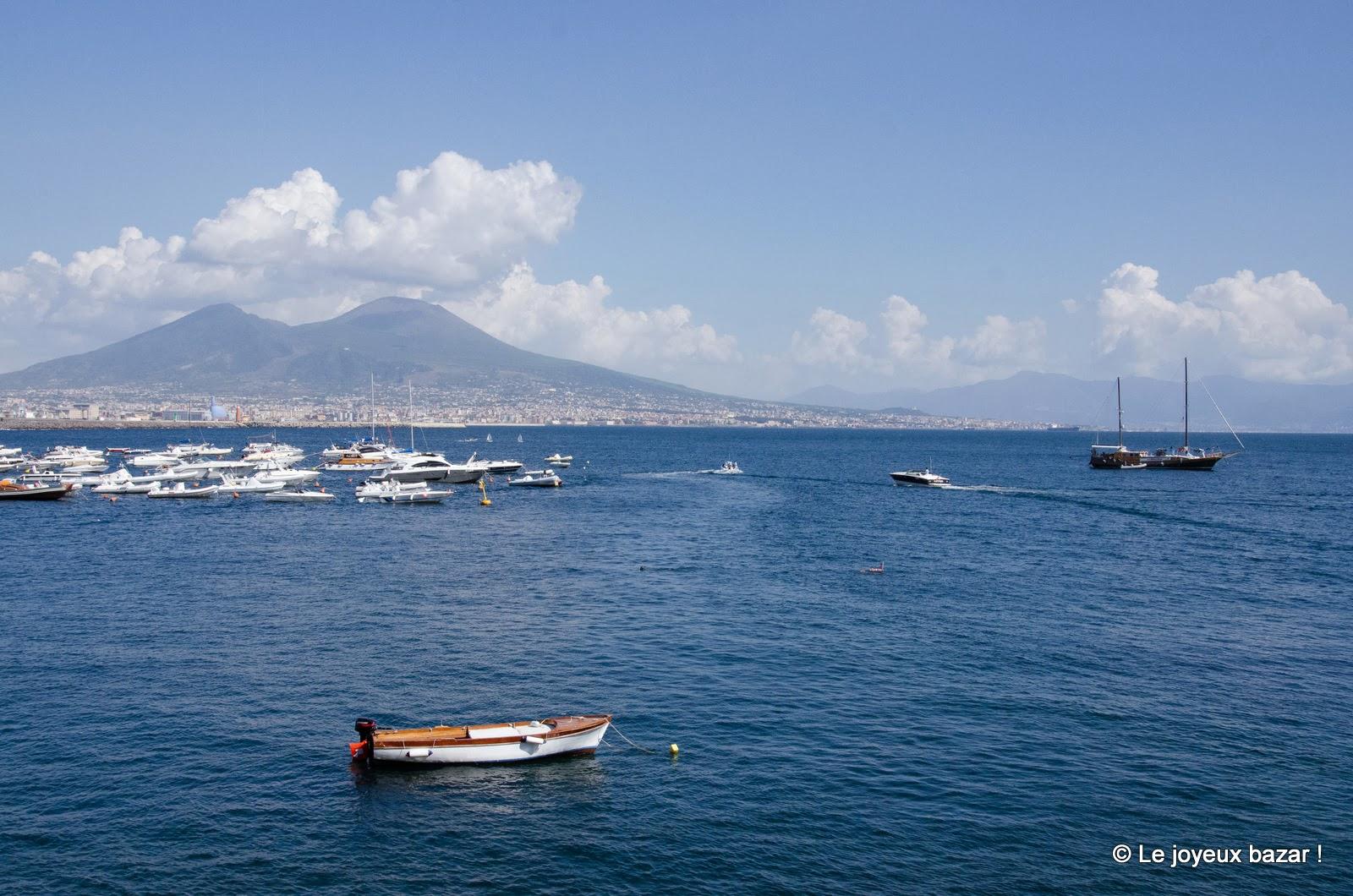 Baie de Naples et Vésuve