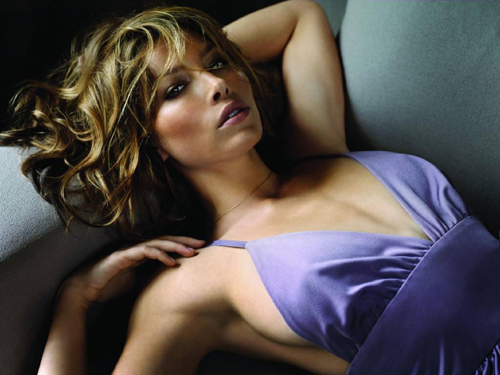 http://1.bp.blogspot.com/-hKhRQxBIlNE/Tm9nkTtCNnI/AAAAAAAAAIU/ViqpRHgWuEk/s1600/Jessica-Biel-jessica-biel-4885861-1024-76820997.jpg