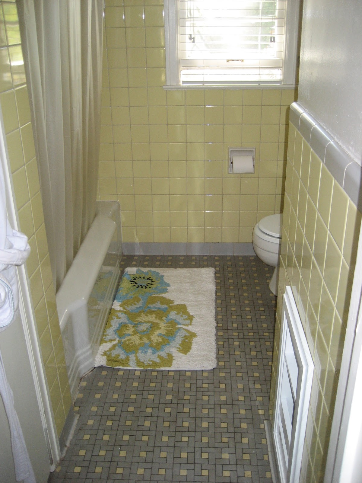 Yellow tile bathroom makeover - Yellow Tile Bathroom Makeover 22