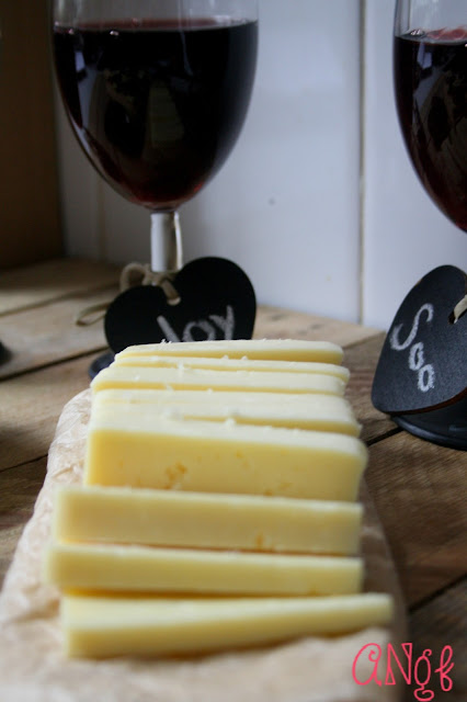 Castello's Havarti with red wine | Anyonita-nibbles.co.uk