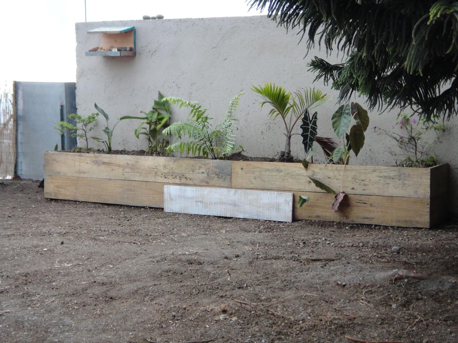 Construire sa piscine partie 4 - Construire une jardiniere en bois ...