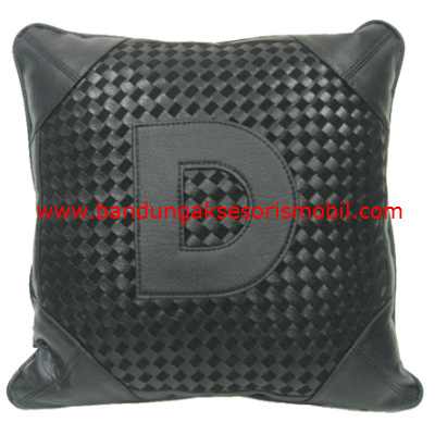 Bantal Peluk DAD Prada Black (Per Pcs)