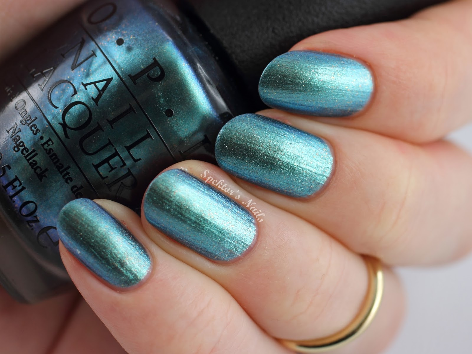 OPI Hawaii - This Color's Making Waves
