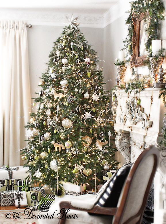 the decorated house white and silver christmas tree with black accents - How To Decorate A Big Christmas Tree