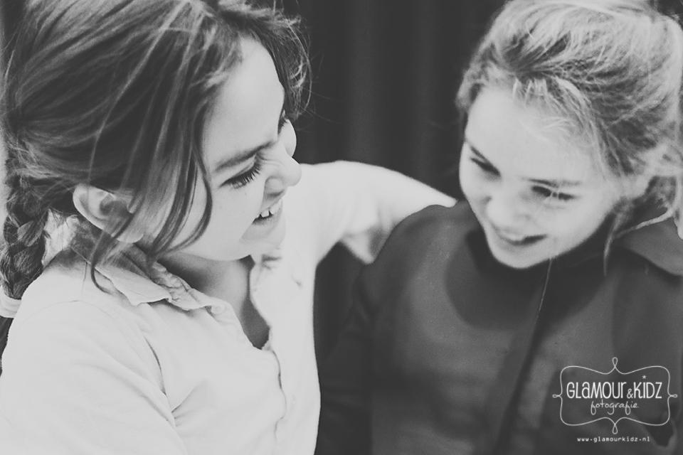 zusjes vriendinnen apeldoorn fotograaf glamourkidz meisjes fotoshoot gelderland fine art newborn familie workshop